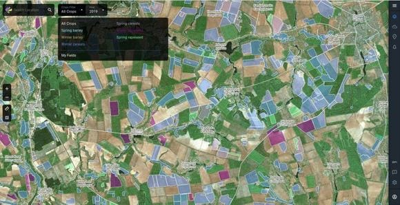 cropping areas differentiation via satellite monitoring with CM